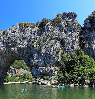 Trouvez votre camping idéal en Ardèche